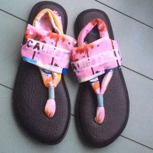 Sanuk Yoga Sling Thong Sandals Sz 8